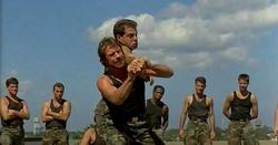 Zapovjednik trenira svoju Delta jedinicu