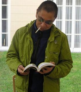 Takashi Miike se zabavlja listajući 'Povratak Žutog titla'