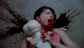 Zombi-beba u napadu